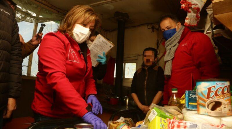 """Audio difundido por Intendencia de Aysén enfatiza cajas de alimentos como """"obsequio del Gobierno"""""""