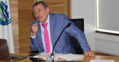 """Consejero Villarroel: """"Debemos potenciar nuestro recurso humano en Salud, no darle la espalda"""""""