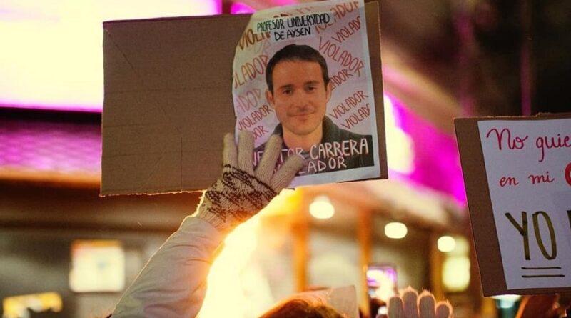 Profesor de la U. de Aysén quedó en prisión preventiva imputado por violación contra alumna